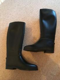 Brand New Toggi horse riding boots size 5