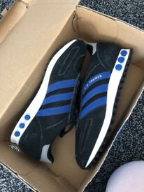 Men's size 6 Adidas LA TRAINERS only worn a few times