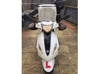 Piaggio fly with top box