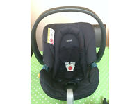 Excellent condition car seat (group 0+). Used only with one baby.