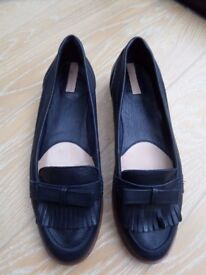 stradivarius leather navy loafers ladies flat shoes size 8 / 41 - almost new