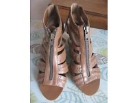 Ladies New Look Tan Sandals Size 5