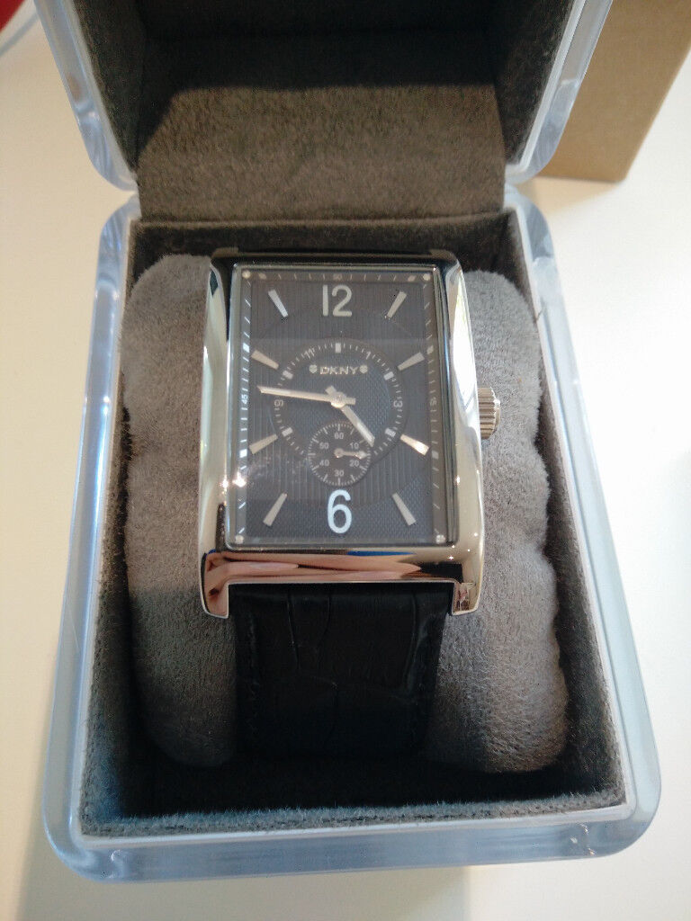 DKNY extremely rare square watch - Immaculate condition