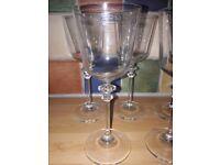 5x modern wine glasses
