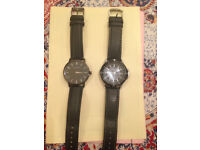 2 men's watches, black leather strap