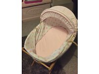 Mamas and papas basket with stand and mattress
