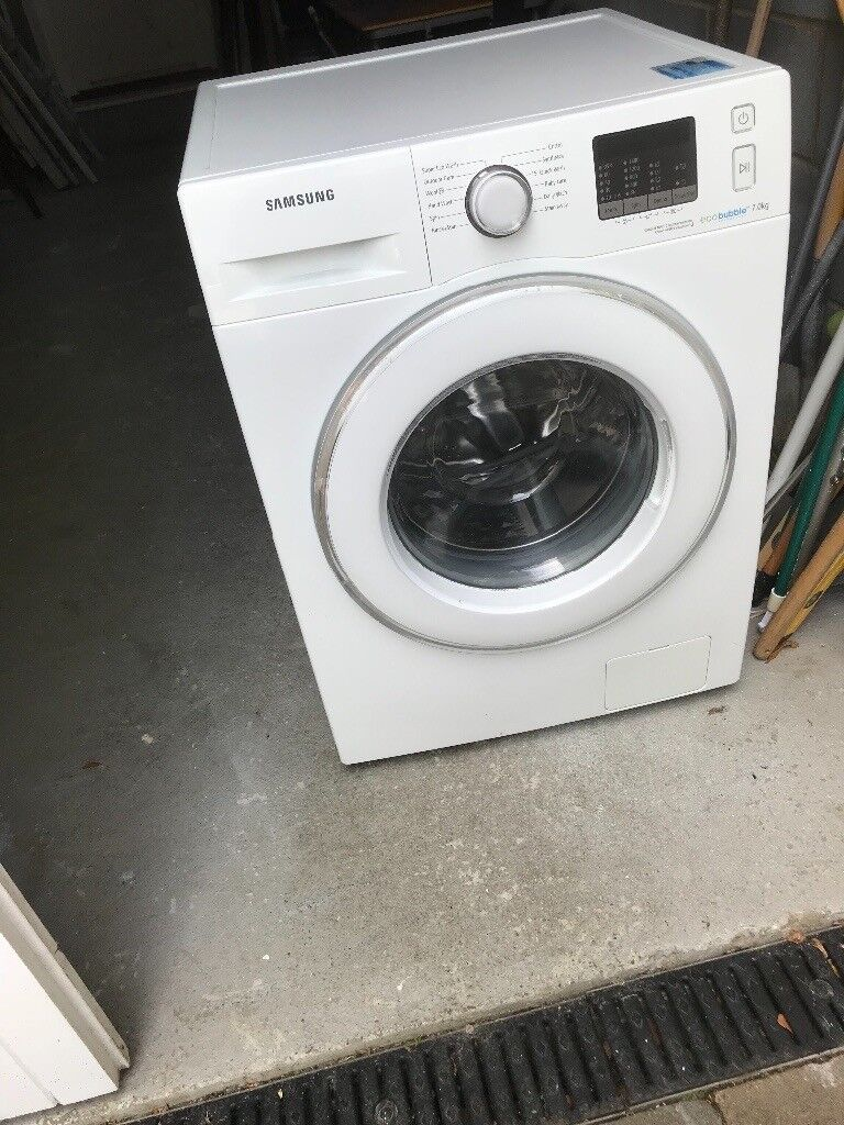 Washing machinein Harlow, Essex - Samsung echo bubble 1400 spin 7kg Excellent condition Smoke & pet free home Collection only