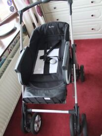 Silver Cross Freeway Pram in Black