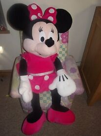 LARGE MINNIE MOUSE TOY 1 METRE HIGH