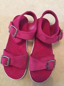 Timberland sandals size 5.5