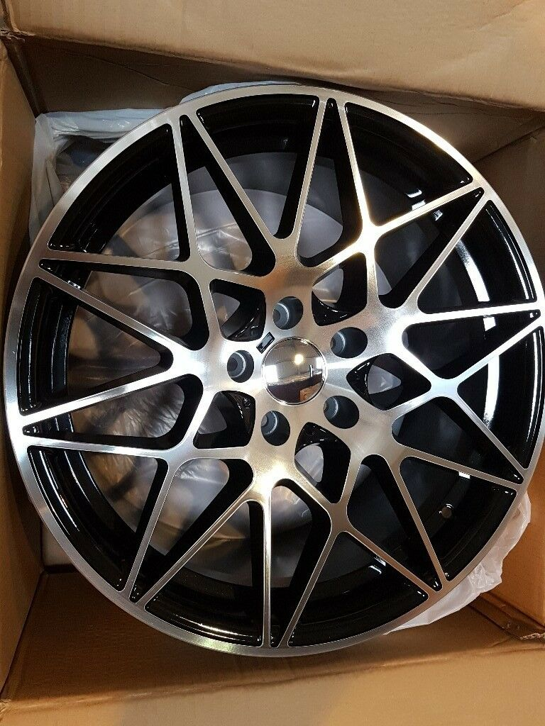 19 666m Style Alloy Wheels Set In Black Polished For The New Shape