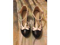 Mary Jane style heels black/white