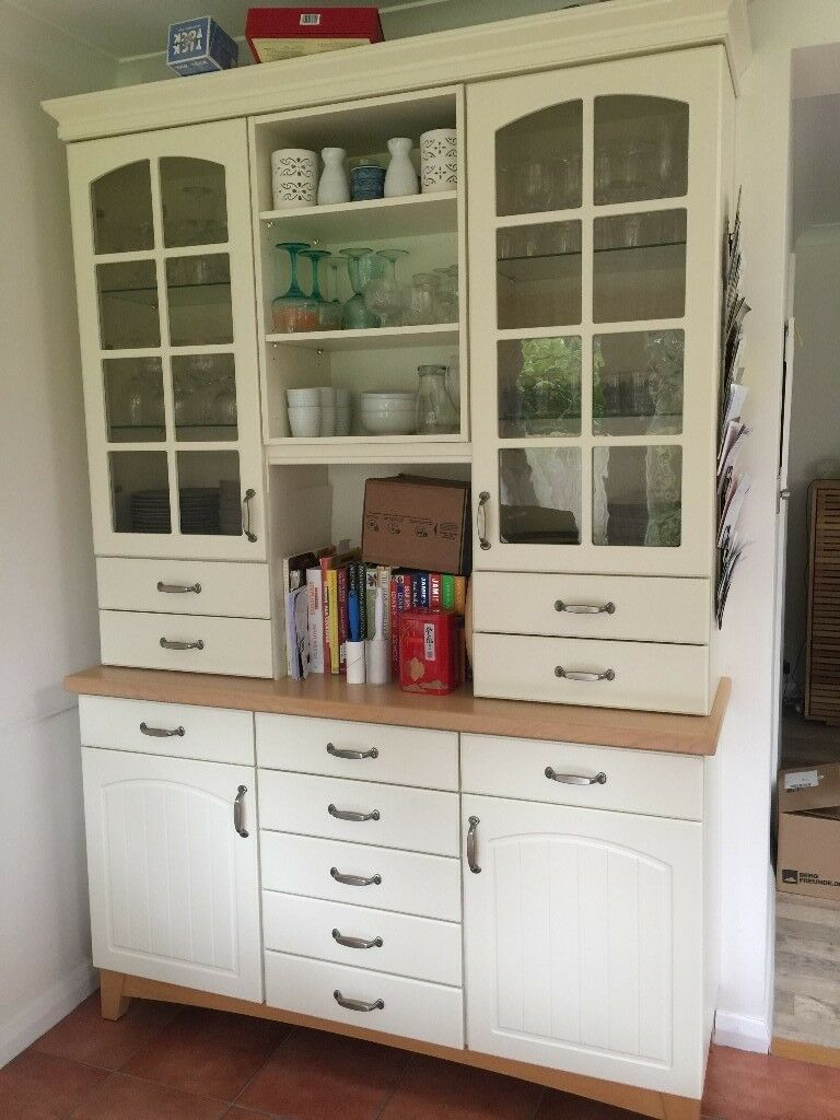 Kitchen cabinets - various. Including integrated fridge ...