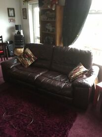 Leather Settee & Electric Recliner Chairs