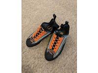 CLIMB - X Crush Lace Rock Shoe
