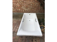 Second hand bath tub