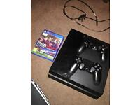 Playstation 4 500 GB (2 controllers and 1 game)