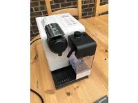 DeLonghi LATTISSIMA TOUCH EN EN550.W 3 Cups Espresso Machine; White Used