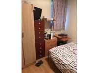 *** Nice Single Room in Poplar, Zone 2 ***