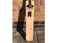 Newbery Krakatoa junior cricket bat - size 4