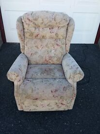 Celebrity Woburn Petite Lift And Recline Chair