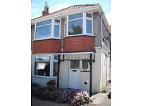 Lovely 1 bedroom unfurnished flat in Charminster,shared entrance,Parking and front garden.
