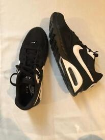 Men's Nike Air Max Ivo Trainers Uk Size 9
