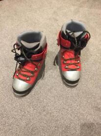 Winter climbing / mountaineering boots uk size 8