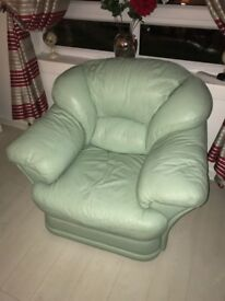 3-PEICE LEATHER SUITE .. MINT GREEN .. GREAT CONDITION