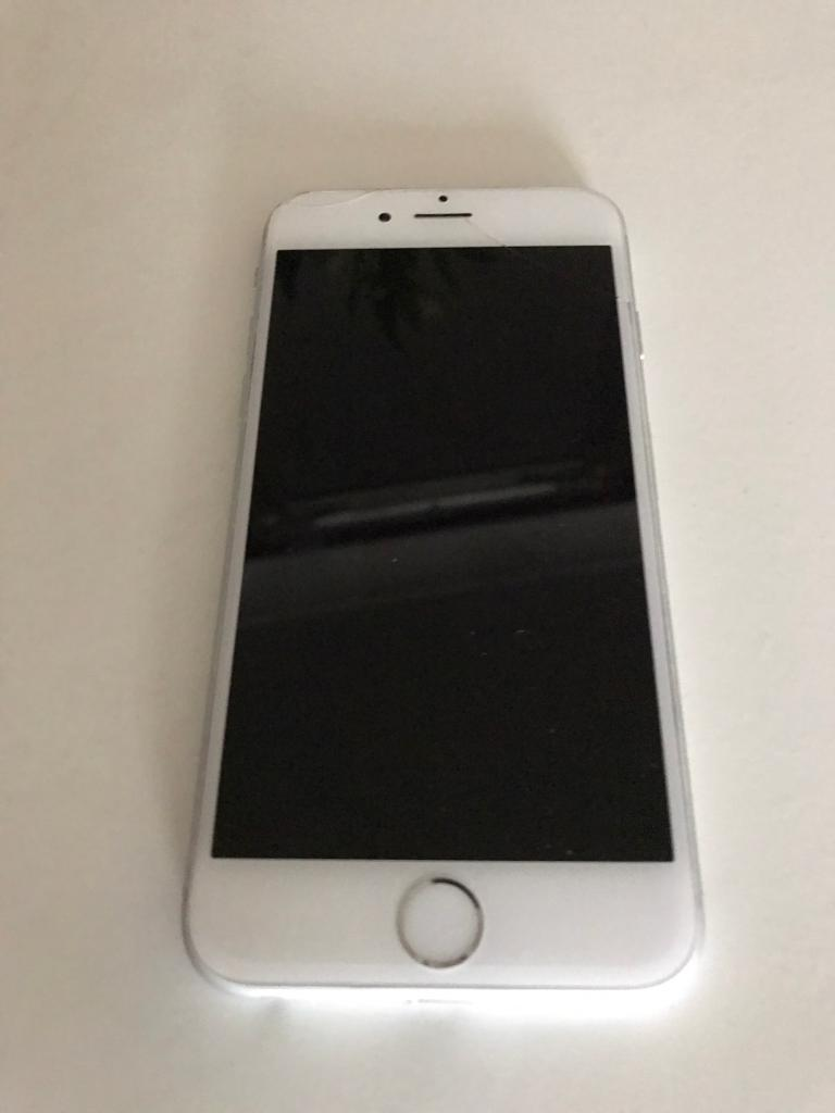 apple iphone 6 o2 sim 64gb silver small cracked. Black Bedroom Furniture Sets. Home Design Ideas