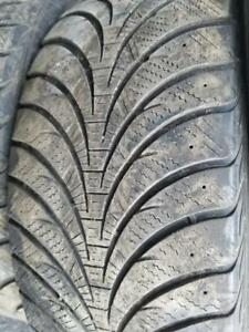 4 PNEUS HIVER GOODYEAR 265 70 17  4 WINTER TIRES