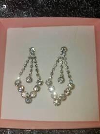 BNIB STUNNING DIAMONTE EARRINGS IDEAL FOR PROM, WEDDING