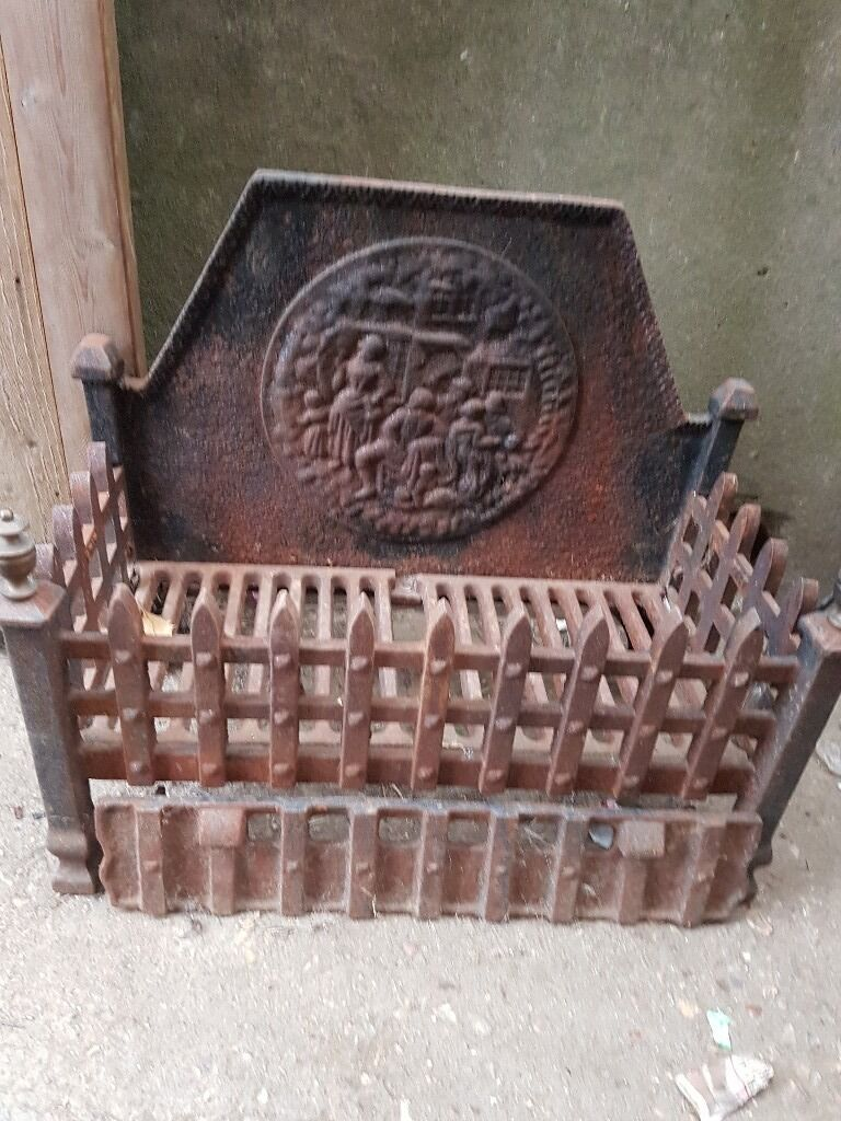 Fire gratein Yeovil, SomersetGumtree - Selling my iron fire grate no need for it now heavy nice looking fire piece for any open fire