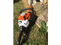 STIHL HS82 RC HEDGE TRIMMER 2017!