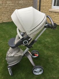STOKKE Xplory Pram for infant to toddler - with Carry Cot, car seat adapter and foot muff!