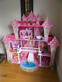 Far Far Away Dolls House (KidKraft) with flushing toilet noise, playing piano and working lights