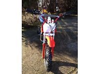 Brand New Unridden Red 125cc 4 Stroke Professional Dirt/Pit Bike - Manual Clutch 4 Speed Gearbox