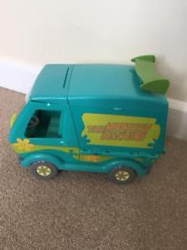 Scooby Doo van and figures