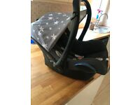 8 month old Maxi Cosi Car Seat, Easyfix isofix And Brand new Cosy toes
