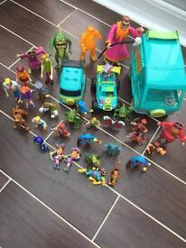 Scooby doo collection of toys