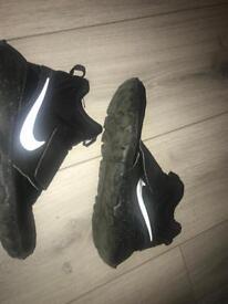 black nike trainers size 3