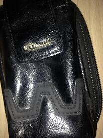 Gionni phone holding purse