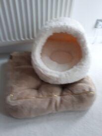 2 Cat/Kitten beds - Never used. £15