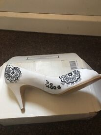Shoes white with black embroidered peep toes £49
