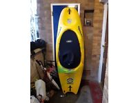 Pyranha S6 200 Kayak PlayBoat FreeStyle