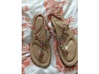 Sandals Size 7 not used