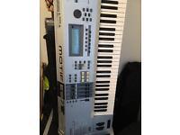 YAMAHA MOTIF ES7 Synthesiser Keyboard Instrument