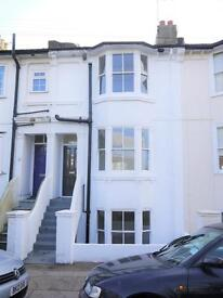 6 bedroom house in Clarendon Road, Hove