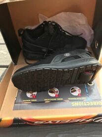 Kids Black Heelys size 2 boxed as new in Swindon