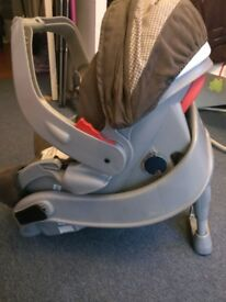 Graco car seat and base 0-13kg £20